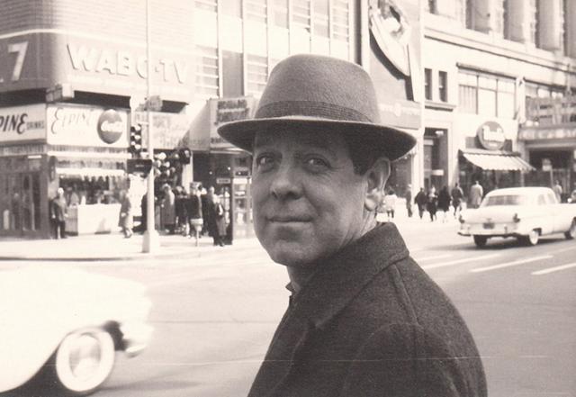 Luis García Berlanga durante su viaje a Hollywood. Colección García Berlanga.