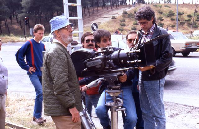 Luis García Berlanga en un momento del rodaje. Filmoteca Española.